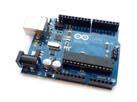 Arduino UNO Rev3 met USB kabel (open-source kloon)